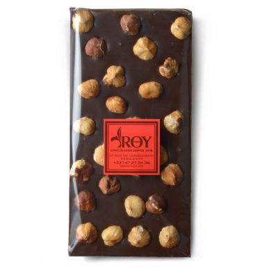 Tablette de chocolat noir 70% et noisettes