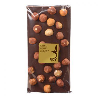 tablette de chocolat noir sans sucre et noisettes