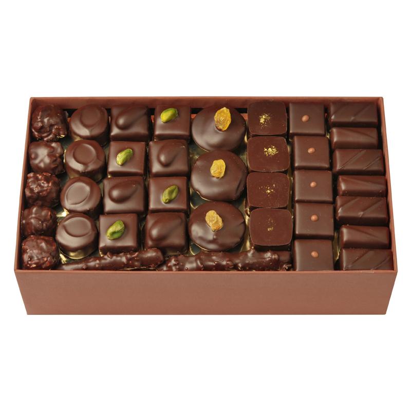 Coffret de chocolats tout noir – 1100 g