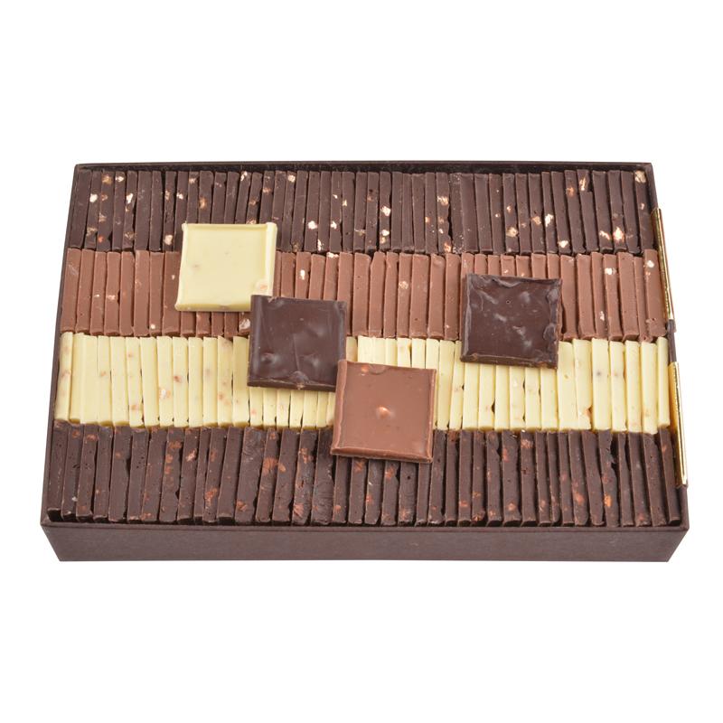 Carrés chocolat dégustation – assortiment 4 saveurs – coffret de 550g