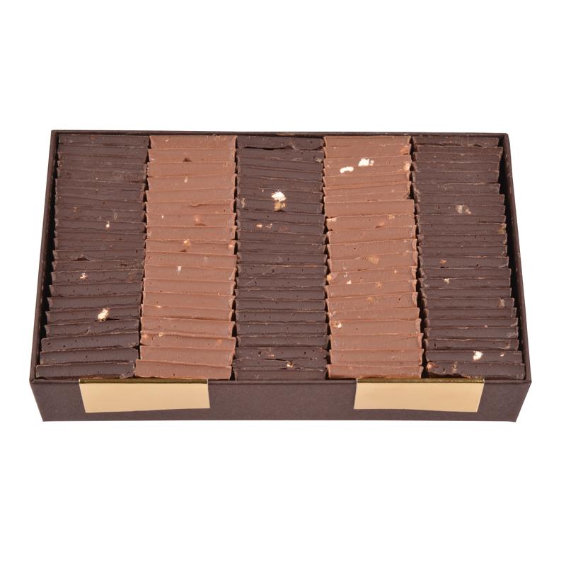 Carrés chocolat dégustation – assortiment noir et lait – coffret de 340g