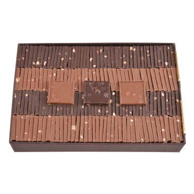 Carrés chocolat dégustation – assortiment noir et lait – coffret de 550g